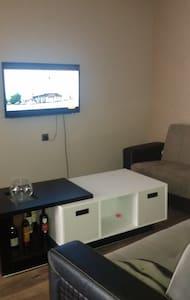 Студия+спальня=2 комнатная квартира у моря! - Batumi - Flat