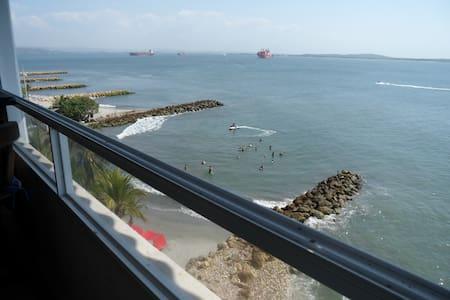 Hermoso apartamento frente al mar. - Cartagena