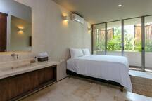 Master Bedroom #1 : King Sized Bed, Private Ensuite Bathroom