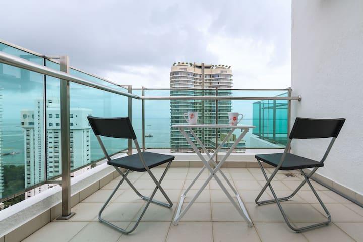 New!! Cozy Seafront Condo天海小屋 - Penang - House