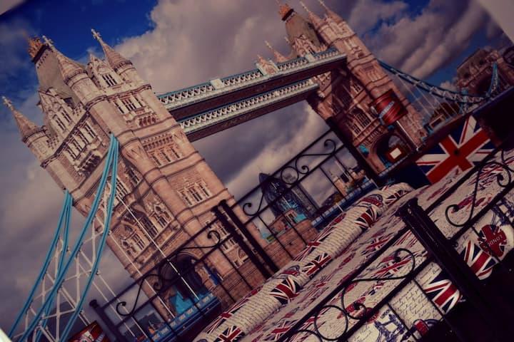 B&B AMICI London