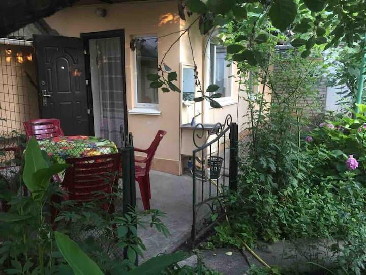 Garden Family House in Odessa /10 min to the beach