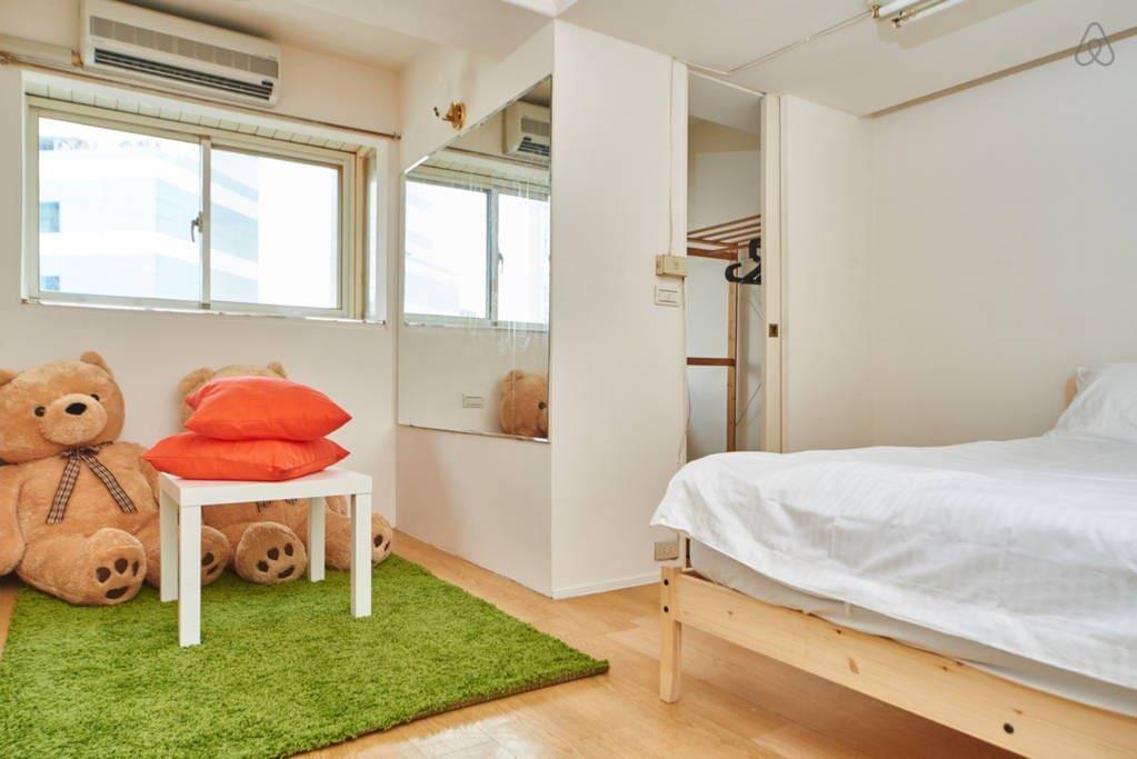 Spacious bedroom A