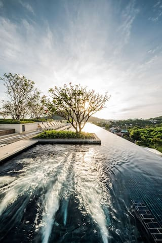 Sun Rise With Jacuzzi Pool on the rooftop