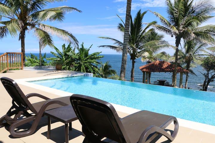Stunning Private Beachfront 3BR Villa w/pool