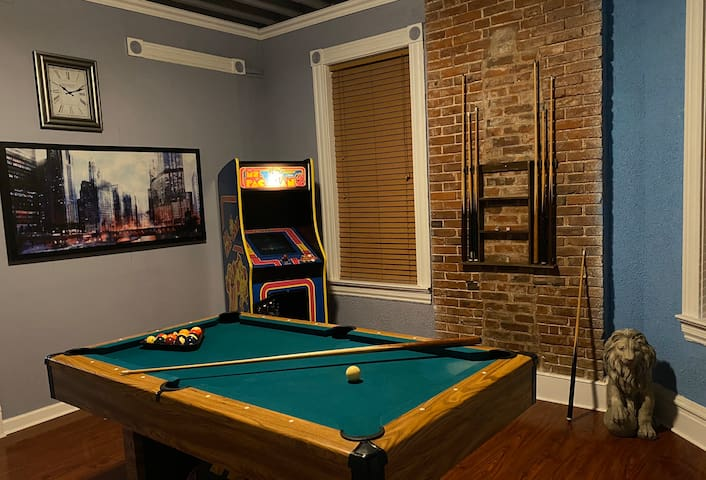 The Game Room 🎯🏓🎱🎮🕹