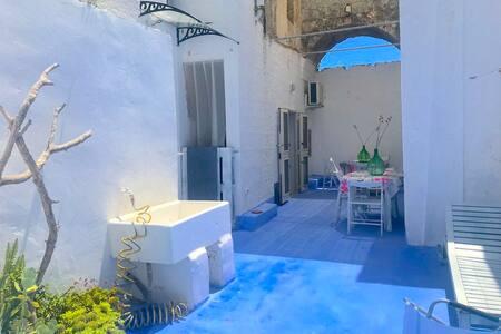 ChicchiSanti - Blue Room