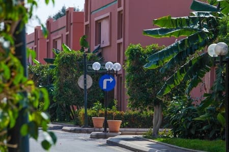 private resort with great facility .great location - Jeddah - Apartment