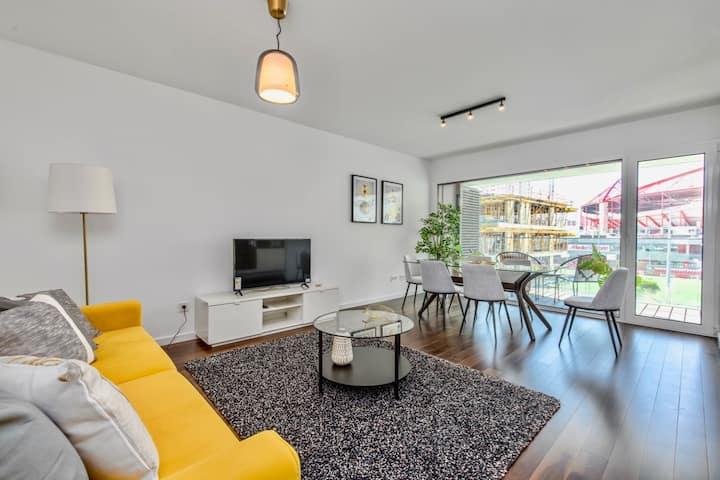 Lovage Yellow Apartment, Benfica Stadium, Lisbon