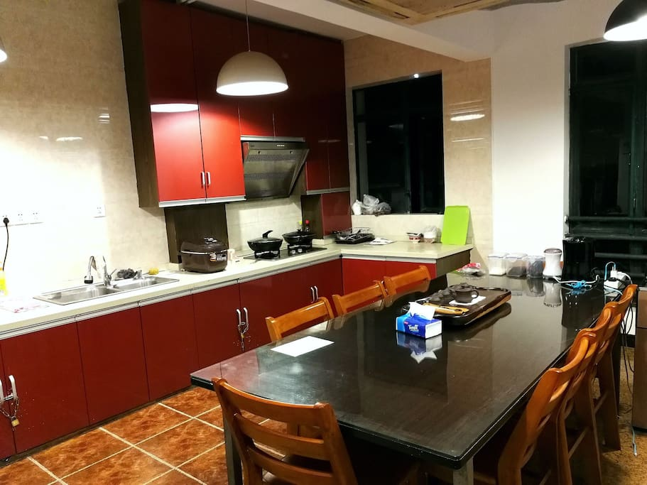 将近50平方的餐厅,厨房