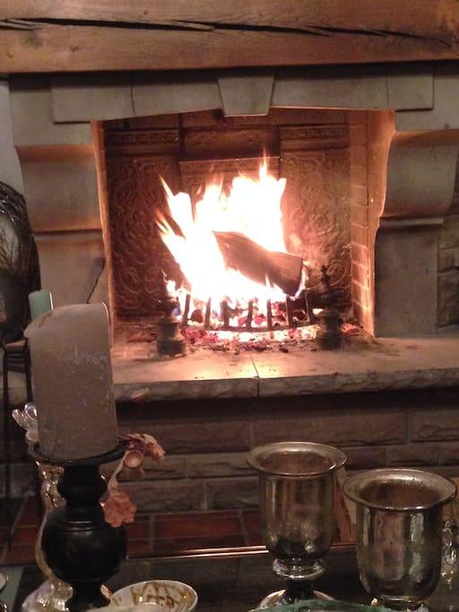Une pause douillette au coin du feu?