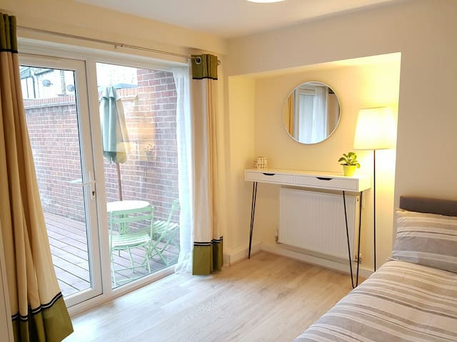 Fab Private Double Room in Modern Flat - Londres