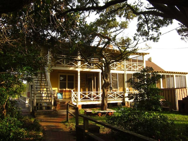 Log-Inn, a large Pawleys Island creek front house.