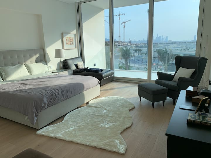 Luxury Room on Beach w/ Private Balcony and Maid