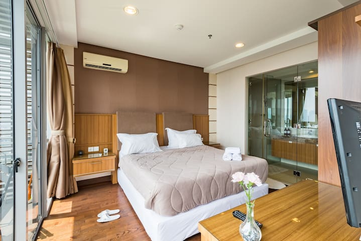 Modern Apartment w/ Pool Oasis in Heart of Kemang