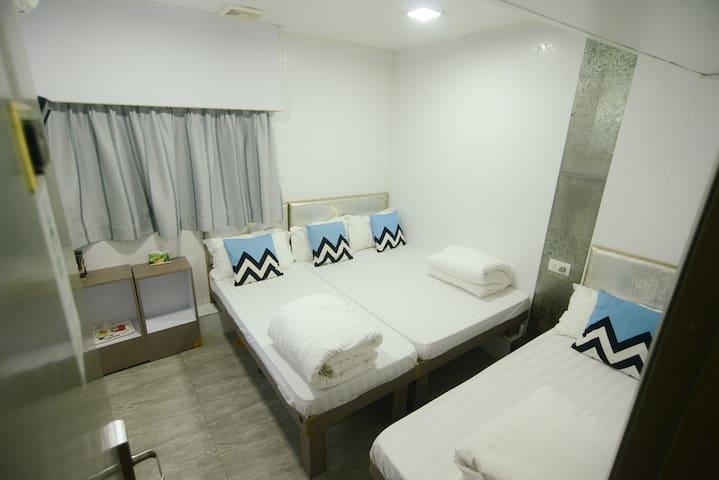Family room for 4 travelers@Mongkok