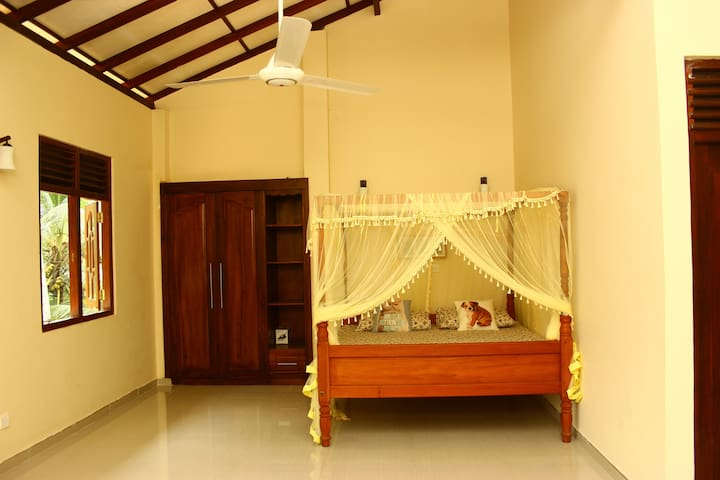 Spacious Three Bedroom Apartment - Galle - Apartamento