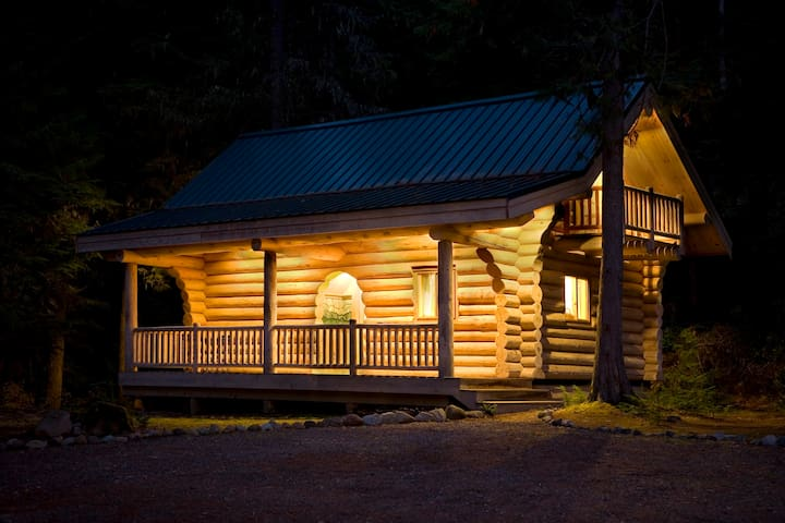 Honeymoon Cabin at Alta Crystal Resort - Enumclaw - Cabaña