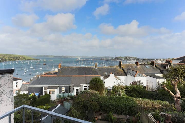 Cosy Cottage with a View - Falmouth - Casa