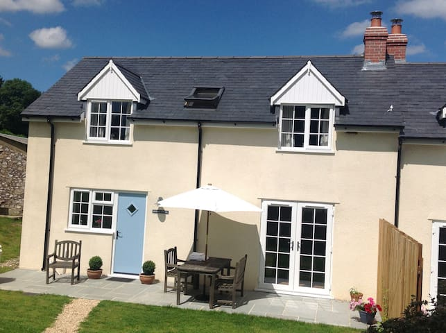 Bluebell Cottage in an idyllic location, sleeps 4 - Somerset - Haus