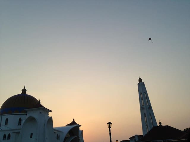 sunset moment @ Mosque by the straight