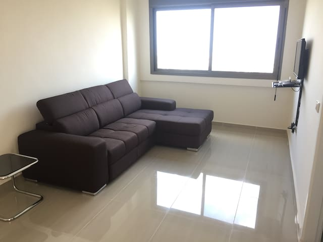 Cozy Apartment with Parking, Gym & Pool