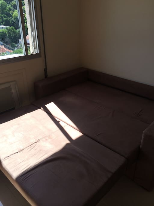 Double bed is 1,40mx 1,90m