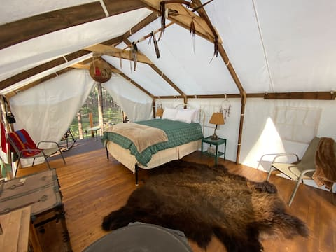 Black Hills Glamping - the Rough Rider