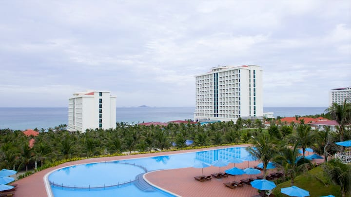 Golden Peak Resort Cam Ranh