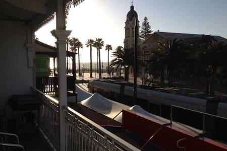Glenelg Beach Getaway - Glenelg