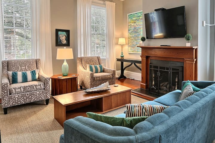 Mint Julep Estate - Rest Well with Southern Belle Vacation Rentals