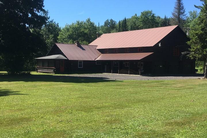 Utter One House,  Charming Adirondacks experience