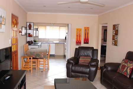 Cozy Cabane Accommodation - Kempton Park