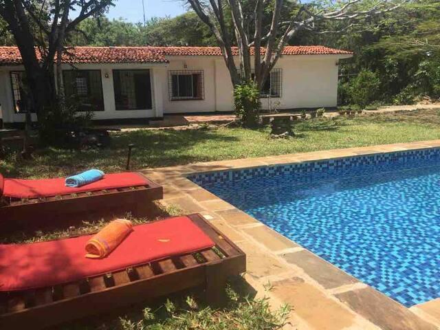 Mbinguni House,  Holiday Home and Beach Retreat