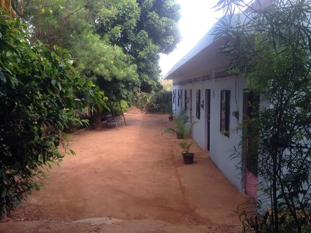 The Coutyard Guest House - Krong Ban Lung - Hostel