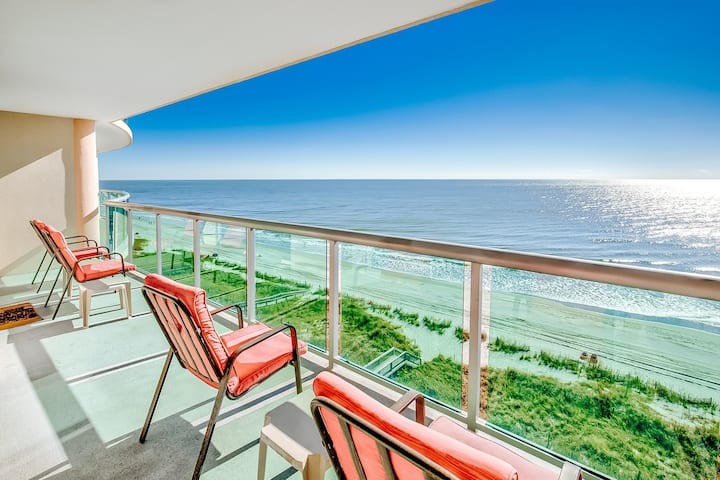 Oceanfront oasis w/epic balcony views, shared pool/hot tub/lazy river/gym