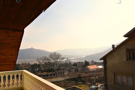 Guest house in Mtskheta - Mtskheta - House