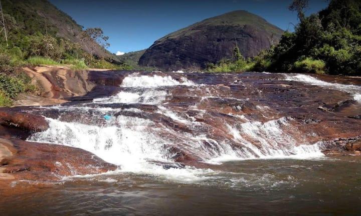 Flat Secretário  Itaipava  Cachoeira Montanhas