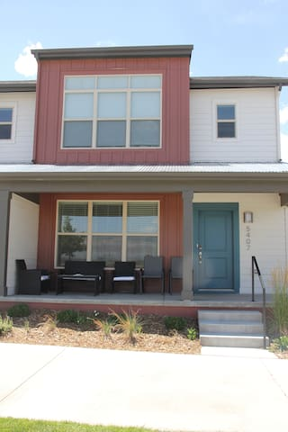 NEW Quiet Denver Home Between the City and Airport