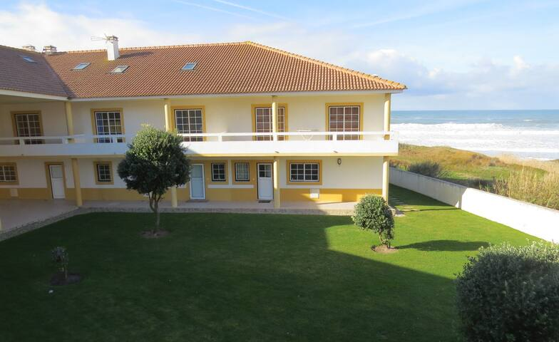 Sea breeze house, with sea view, pool and BBQ - Ferrel - Hus