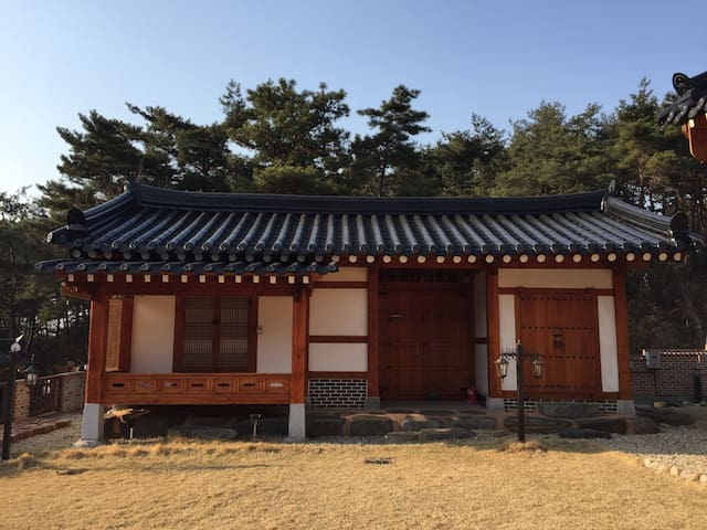 Traditional Korean House. (제월당) - Changpyeong-myeon, Damyang-gun - Willa