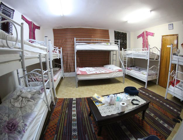 Dorm room in ANZ HOTEL - Selçuk - Huis