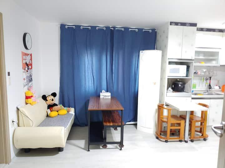 고우당, 이성당 도보 1~5분거리,  Clean & Cozy house.  4~8인 가능