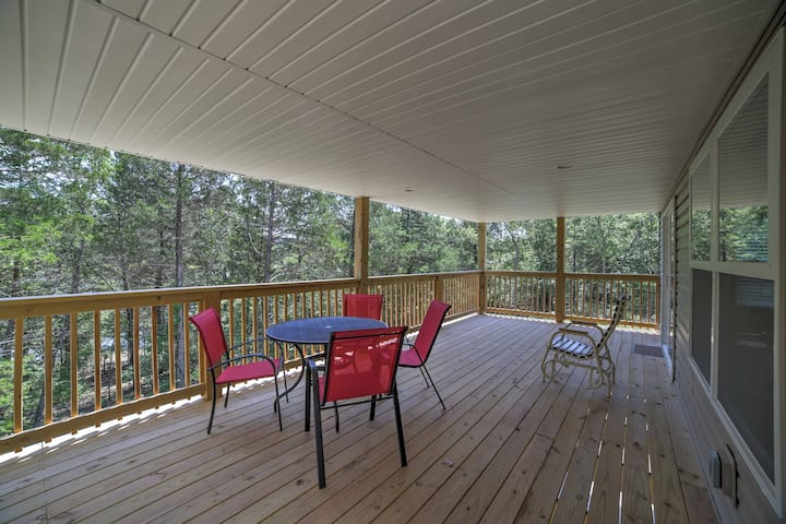 Galena Lakefront Home w/3 Acres on Table Rock Lake