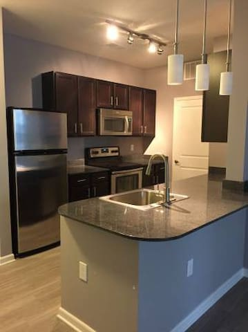 Polaris area! High-End Finishes + Fully Furnished! - Columbus - Servicelägenhet