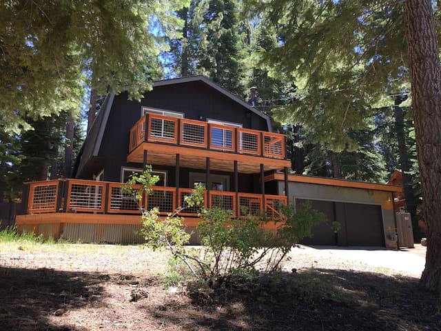 Newly Remodeled Lake Tahoe Home - South Lake Tahoe