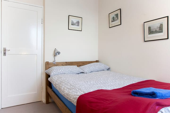 Cosy room in the heart of London