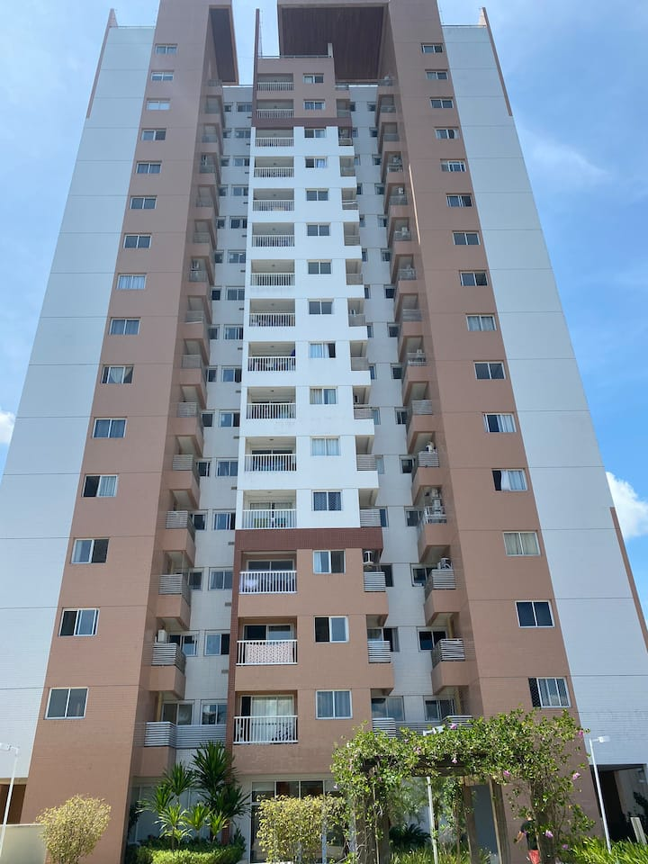 Apartamento na Ponta Negra com 3 quartos.