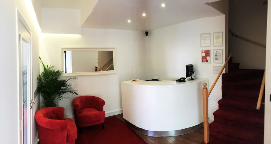 The Capital Boutique Room 2 - Peniche - Bed & Breakfast