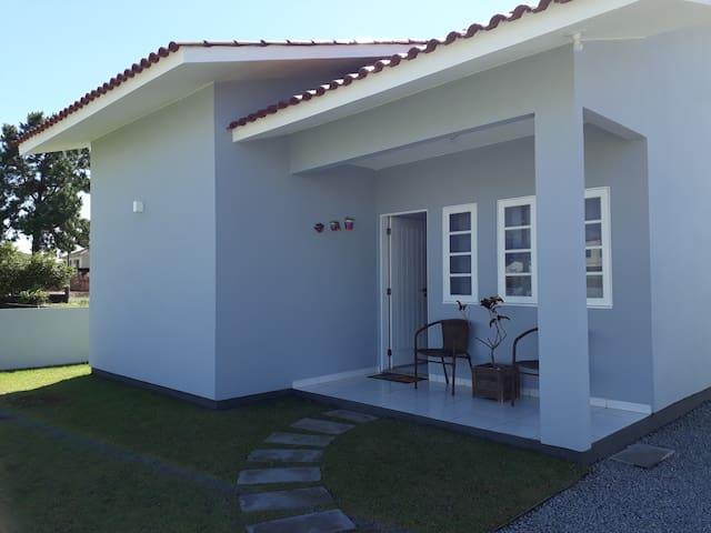 Casa na praia da Ponta do Papagaio com wifi e ar.